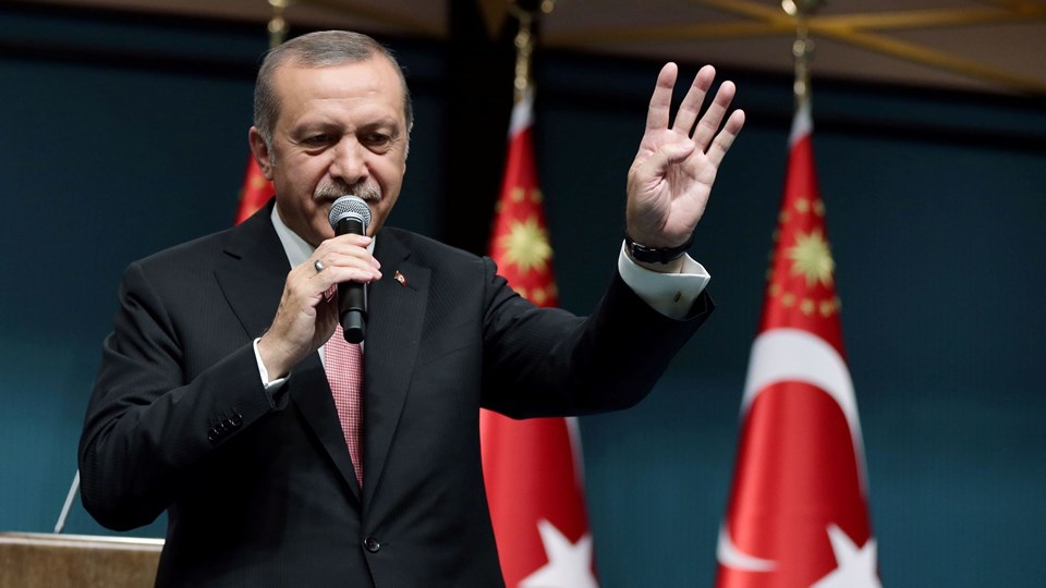 Turkish President Erdogan addresses the nation in a live television broadcast from the presidential palace in Ankara Foto: Reuters/Handout