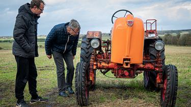 Et paradis for traktornørder: Kristian er godt tilfreds efter auktion over veterantraktorer