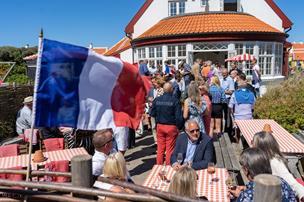 Er turismen i Skagen for meget øl og hornmusik? Nu går viceborgmester ind i slagsmålet