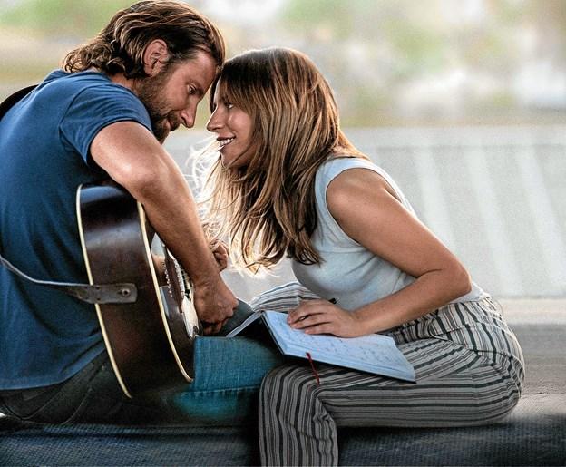 """Kærlighed og musik i """"A star is born"""". Foto: Presse"""