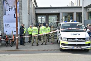 Politiet efterforsker på fuldt tryk for at finde afsender af bombetrussel: - Vi har noget at gå efter