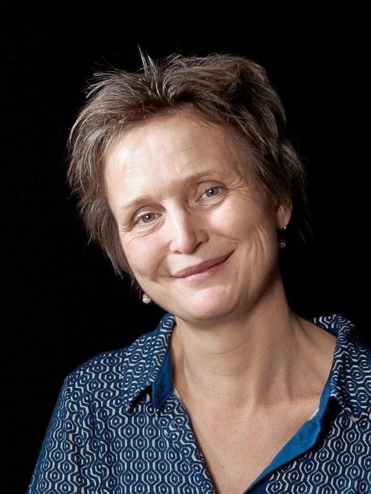 """Mette Wessel Fyhn - fortæller 18. november ved et arrangement i Mariager om sit forfatterskab og sin debutroman """"Mosefolk"""". PR-foto"""