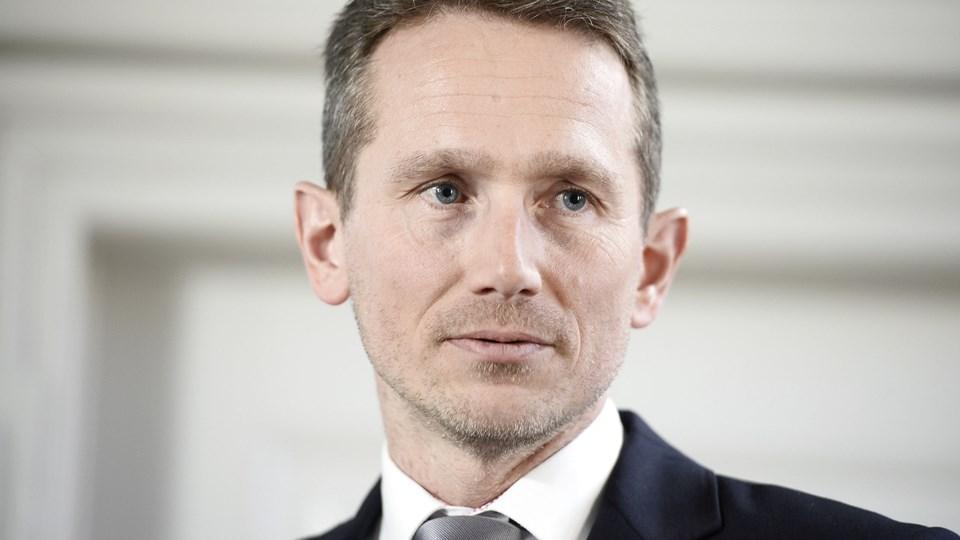 Finansminister Kristian Jensen (V) siger, at regeringen løbende vil vurdere behovet for at tilføre sundhedsvæsnet flere penge.