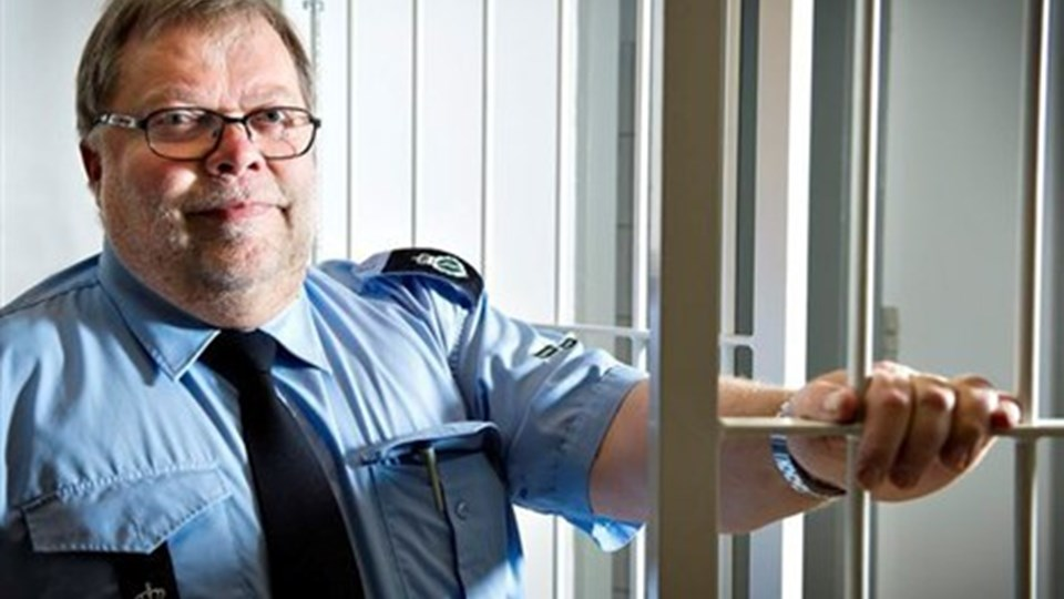 Jørgen Sørensen, arrestforvarer i Hjørring - regner med, at arresten er helt booket op julen over. Arkivfoto: Peter Broen