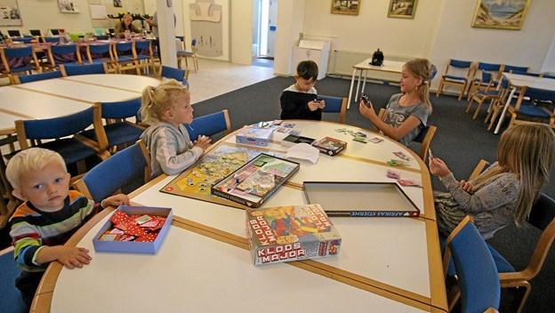 Seks børnefamilier deltager i øjeblikket i de aktiviteter, Røde Kors arrangerer en gang om måneden i Dronninglund. Foto: Jørgen Ingvardsen