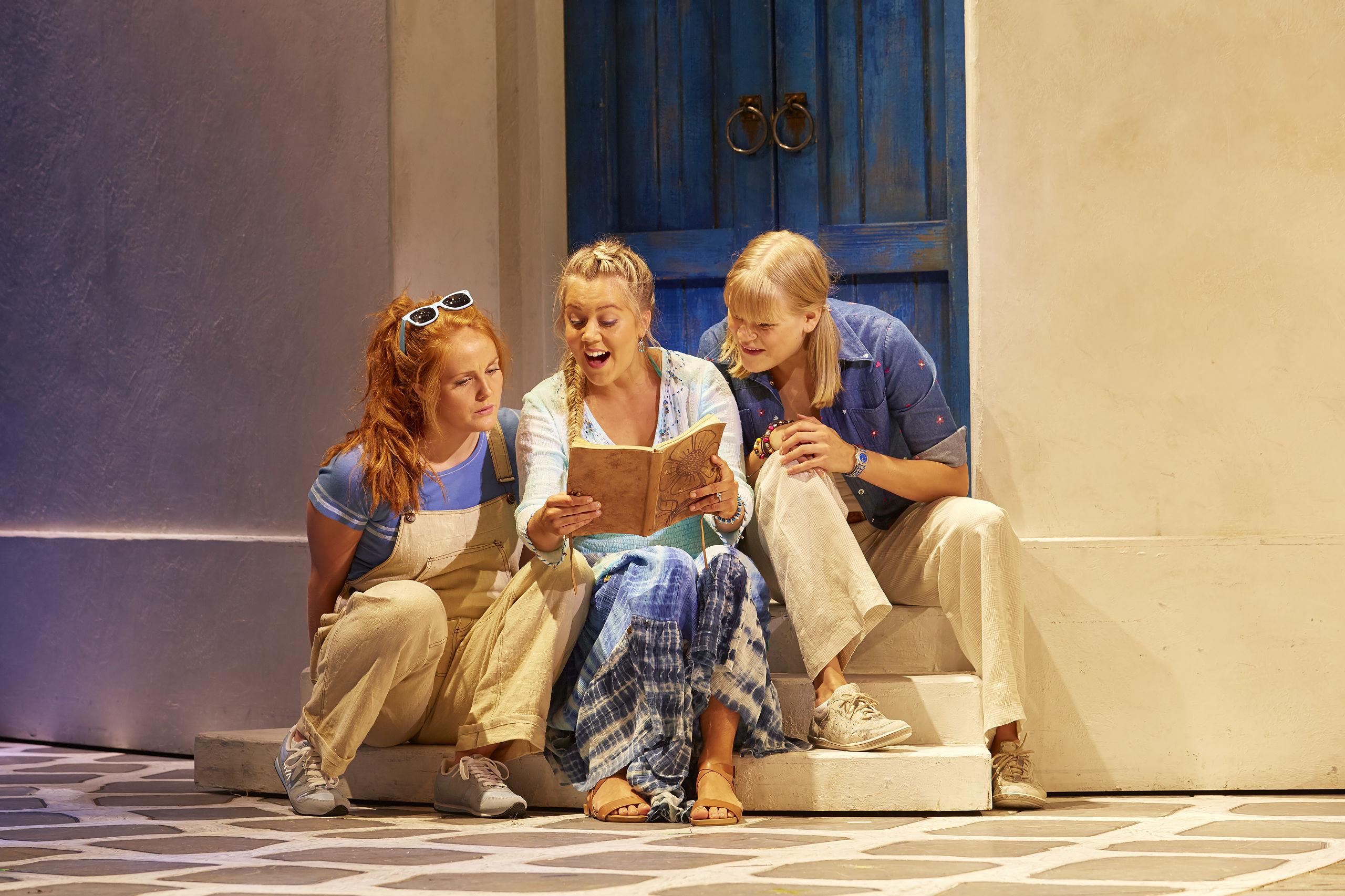 Mamma Mia: Hele ti forestillinger i AKKC
