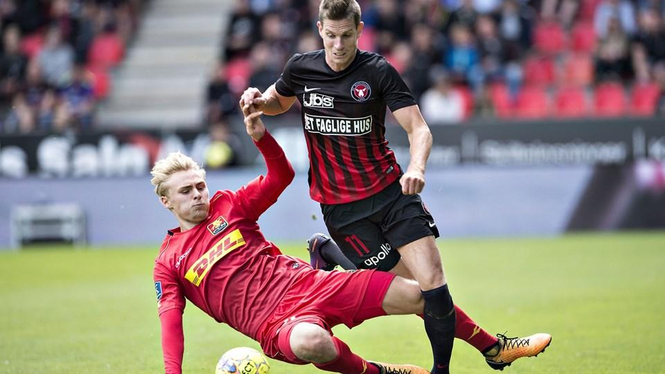 Jonas Borring (th.) forlader for anden gang i karrieren FC Midtjylland. Ny arbejdsgiver er AC Horsens. Scanpix/Henning Bagger