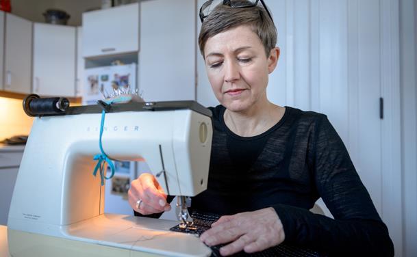 Mød hør-designer hos Isager Strik