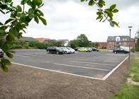 55 nye parkeringspladser i Nørager er klar til brug