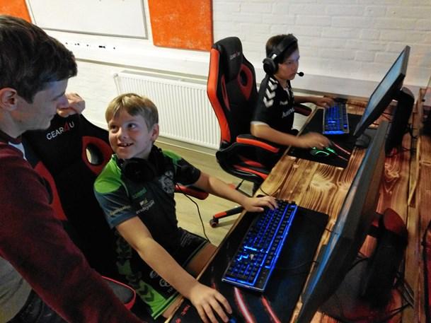 E-sport trak unge til fra nær og fjern