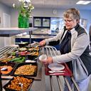 20.000 plast-tallerkener brændes af: Nu dropper sygehus mad serveret i plastik