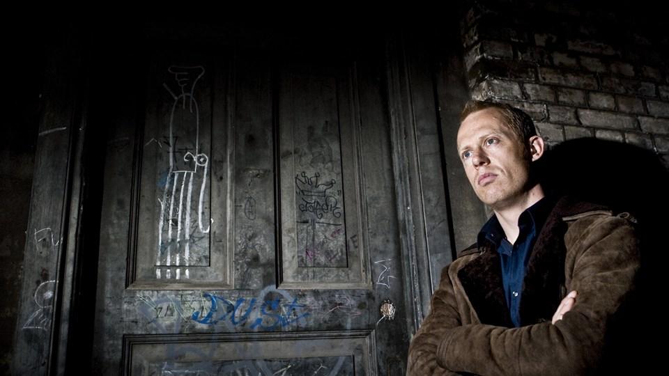 """Morten Spiegelhauer, der er vært på TV 2s afslørende dokumentarprogram """"Operation X"""", konfronterede i forbindelse med optagelsen af et tv-program en virksomhedsejer i Birkerød. Efterfølgende blev han tiltalt for at krænke husfreden. Foto: Scanpix/Claus Bech/arkiv"""