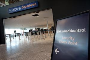 Lettere gennem security i Aalborg Lufthavn - lad computeren og telefonen blive i tasken