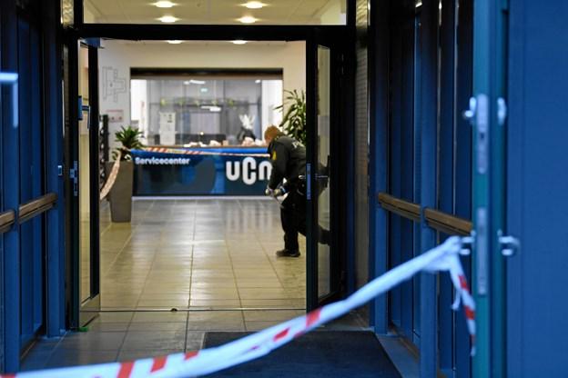 En stukket ned på uddannelsessted foran de andre studerende