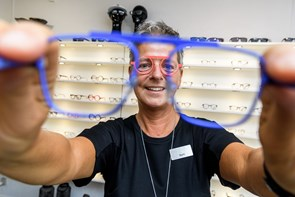 Ikke så firkantet: Briller må godt ha form og kulør