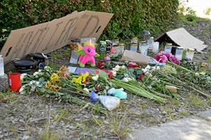 Politiet søger vidne til dødsulykke: Kvinde hjalp efter ulykken