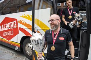 Stefan Madsen napper prisen som Årets Træner