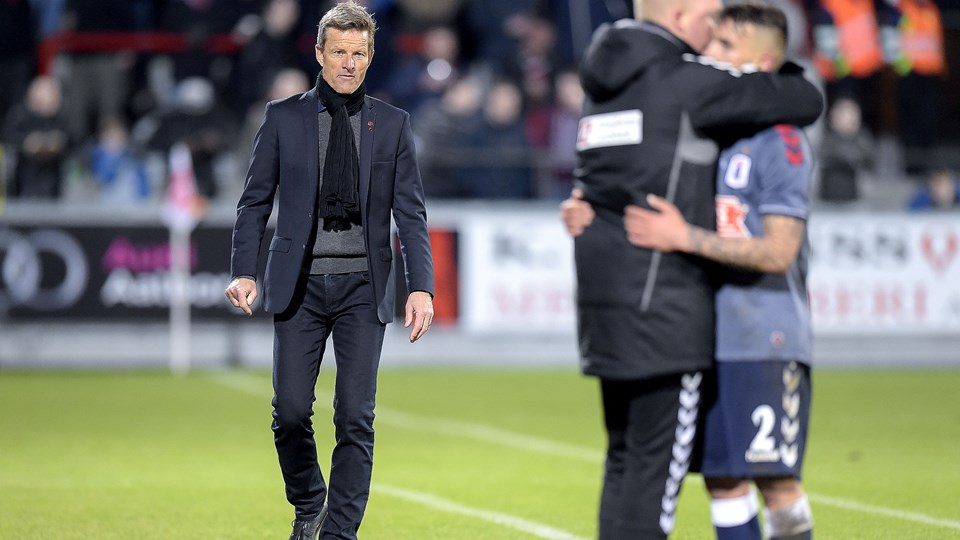 Lars Søndergaards AaB måtte senest nøjes med 2-2 mod AGF. Foto: Lars Pauli