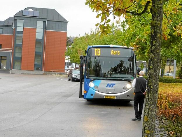 Med den nye ordning ensrettes kriterierne for at være omfattet af NT Rejsegaranti, så den gælder ved forsinkelser på mere end 20 minutter, uanset om man rejser med bus, tog eller flextrafik.