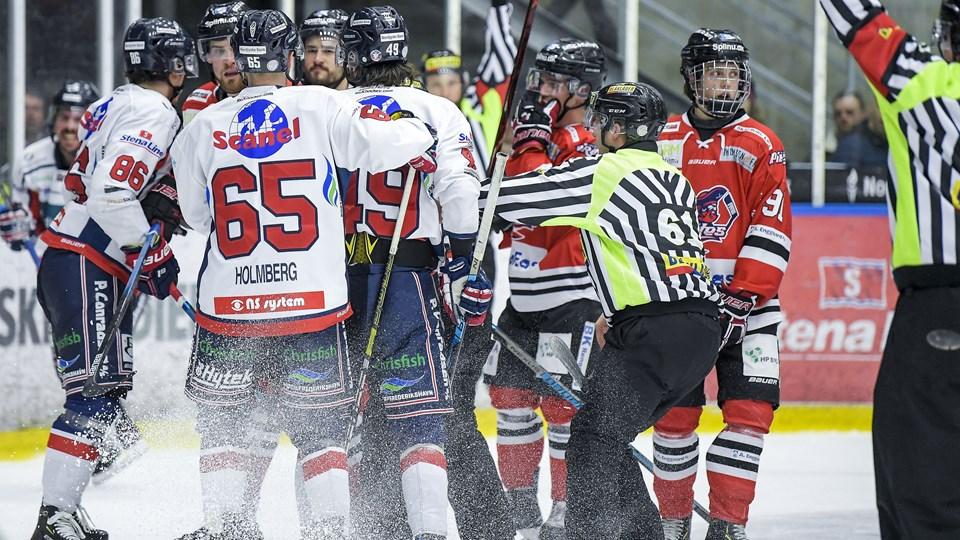 Intensiteten fejlede ikke noget, men Aalborg Pirates tabte sæsonens sidste grundspilskamp. Foto: Lars Pauli