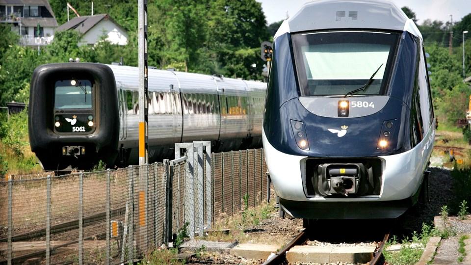 De dieseldrevne IC3 og IC4 skal med tiden skiftes ud med eldrevne tog. Banedanmark har taget fat på arbejdet med at forberede elektrificering til Lindholm. Arkivfoto: Michael Koch