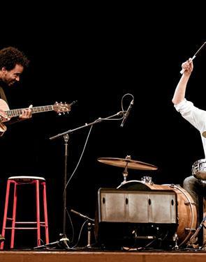 Sangaften på cubansk og dansk