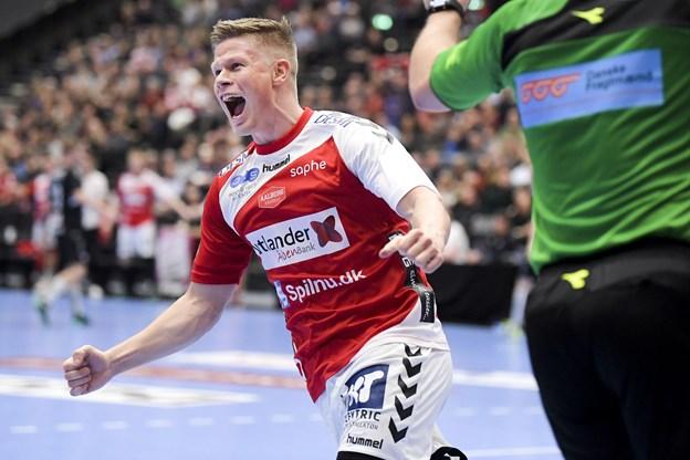 Aalborg-træner hylder sin målhelt: - De må have mange gode venstrefløje i Norge