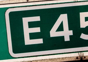 80-årig sigtes for livsfarlig kørsel på motorvej