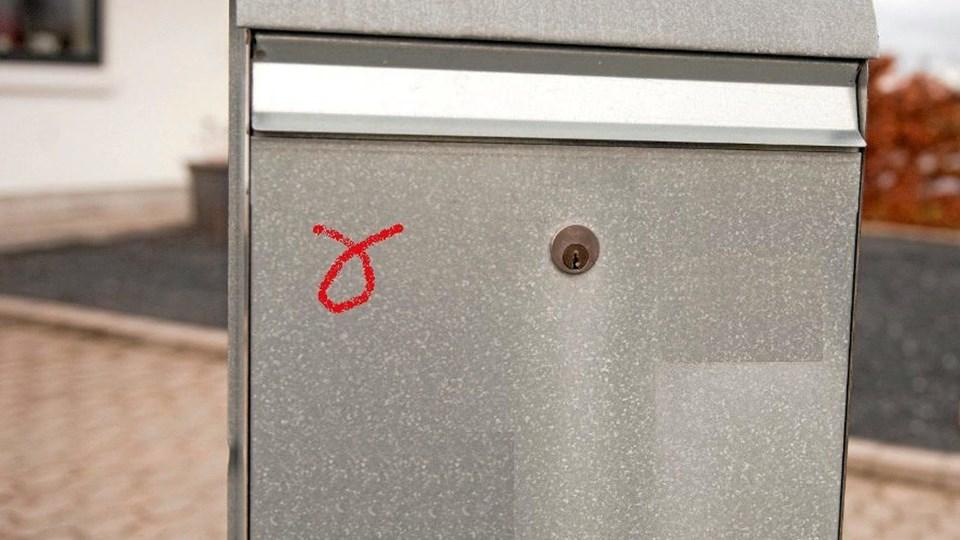 Hold øje med, om der bliver sat mystiske mærker på din postkasse eller dør. Det kan være optakt til indbrud, advarer politiet. Modelfoto