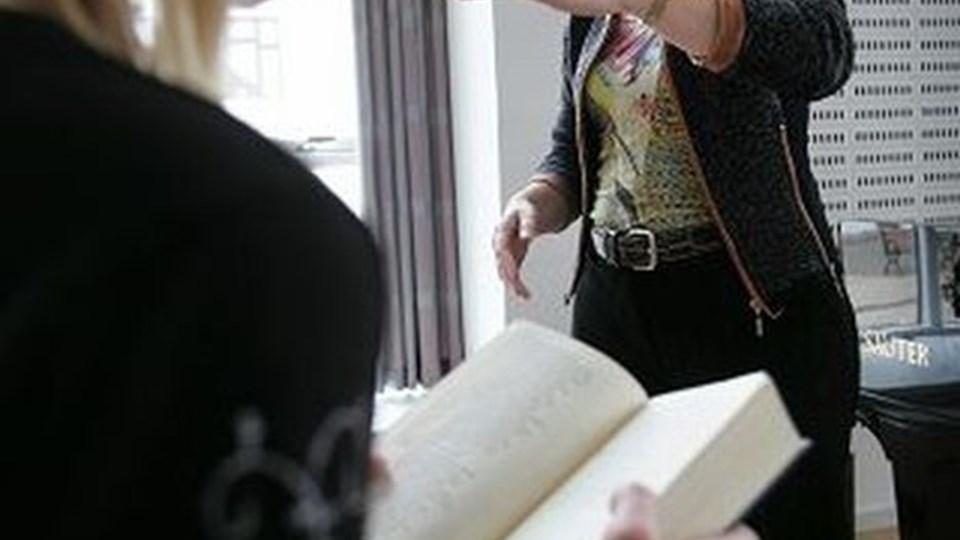 Lise Lotte Kristensen her på billedet har gjort forarbejdet, mens kollegaen Rikke Kursch tager med Sct. Cathrine Kirkes børnekor til Sangerdyst. Arkivfoto: Bente Poder