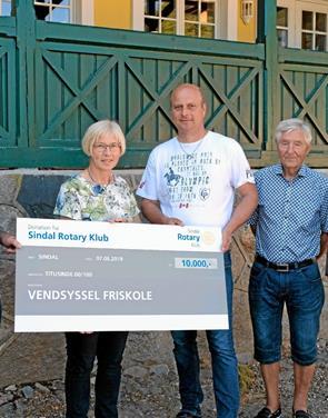 Overskud fra 60'er doneres til Vendsyssel Friskole
