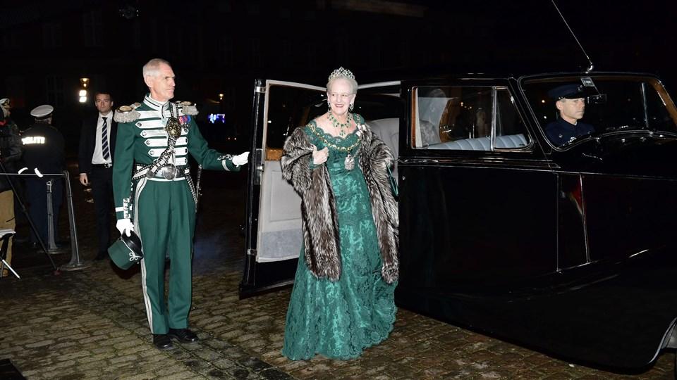 Dronning Margrethe afholder i år nytårstaffel uden prins Henrik, der i sommer fik diagnosticeret demens. Foto: /ritzau/Khan Tariq Mikkel