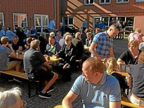 Sommerfest i Arden med lopper og armlægning