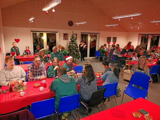 I alt 120 børn og voksne var samlet til juleafslutning hos KFUM-spejderne i Gerding-Blenstrup. Privatfoto