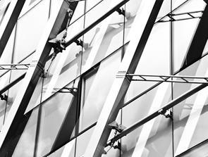 Hærdet glas på mål til industri og erhverv - hvad bruger man det til?