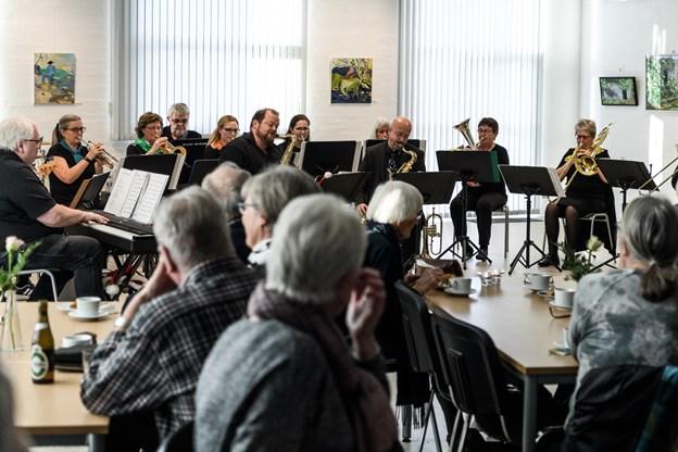 Øland Show Band inviterede til søndagsmatine. Foto: Nicolas Cho Meier