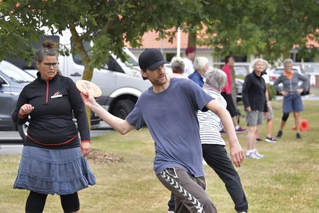 Frisbeegolf er en populær aktivitet, og det er endda en danmarksmester, Lena Brammer, der står for den aktivitet.