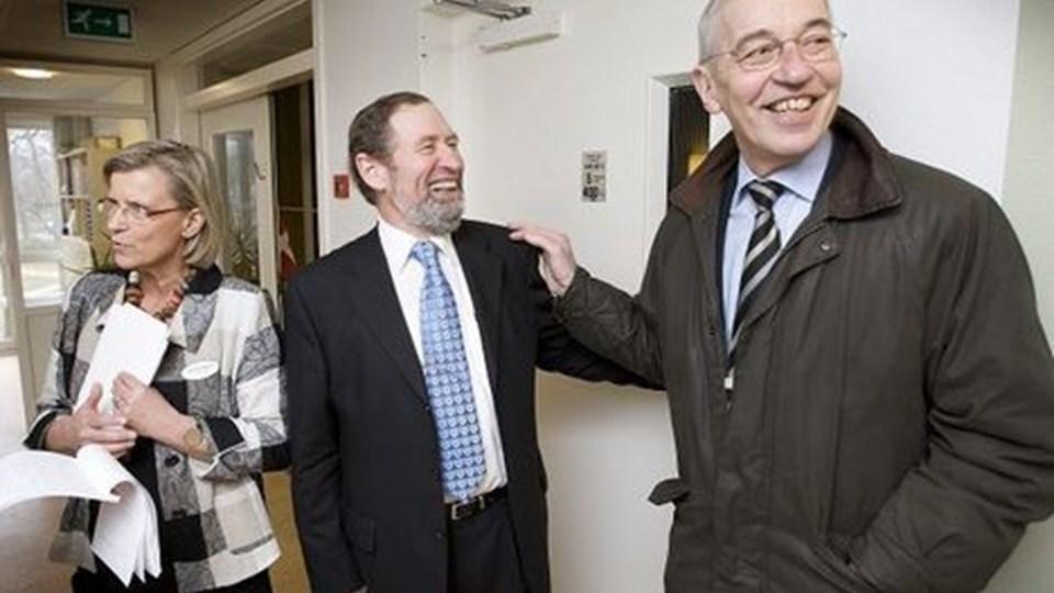 Der var brede smil til indvielsen af det nye hospice. Her ses hospiceleder, Birgit Bundgaard, formand for Frederikshavn Støtteforening, Jens Chr. Larsen, og byrådsmedlem Jens Ole Jensen (V).