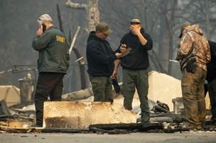 Mindst 200 personer er savnet efter skovbrand i Californien