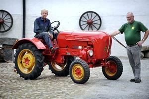 Traktor-klub på marked