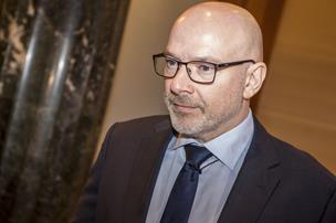 Danske Bank fyrer direktør efter sag om for høje gebyrer