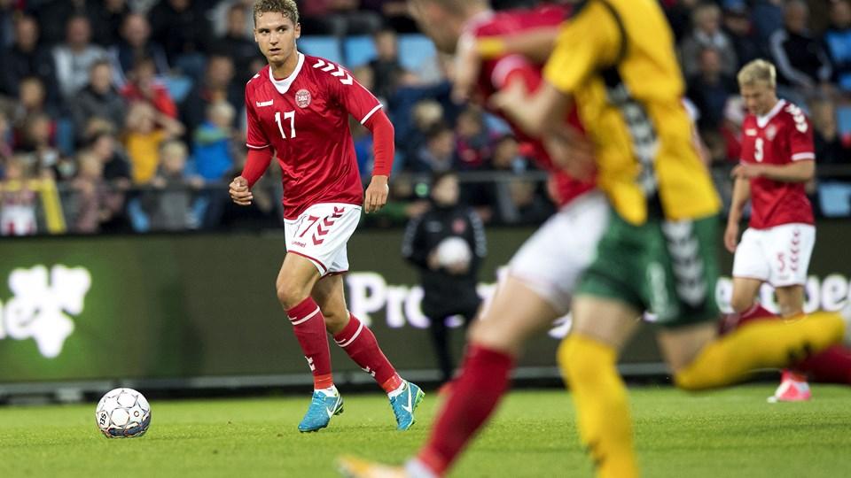 Rasmus Thellufsen i aktion for U21-landsholdet. Foto: Laura Guldhammer