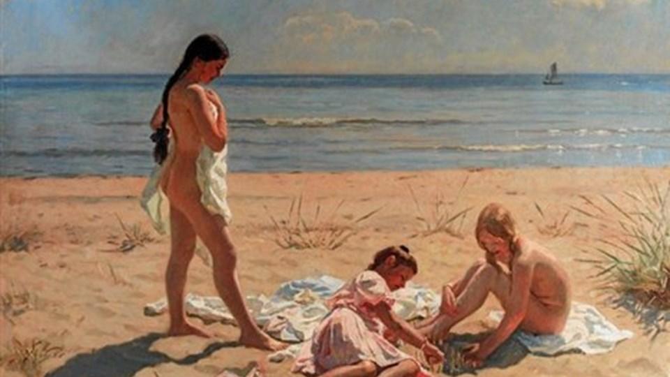 Laurits Tuxens maleri med børn på stranden fra 1907 er et af de mange malerier i udstillingen. Foto: Skagens Museum