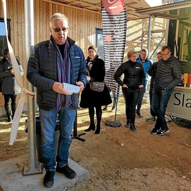 Medlem af miljø- og energiudvalget, Lars Peter Frisk, talte om vigtigheden af at bygge bæredygtigt. Foto: Karl Erik Hansen