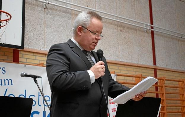 Skoleleder Mikael Rasmussen bød velkommen.