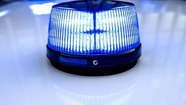 Røveri mod Dagli'Brugsen: Røver flygtede i rød personbil - politiet søger vidner