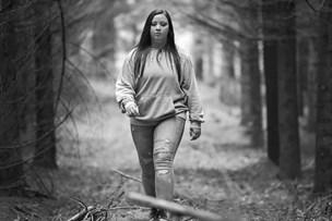 12-årige Emma blev tvangsfjernet: Blev kørt væk til en øde skov med tre fremmede mænd