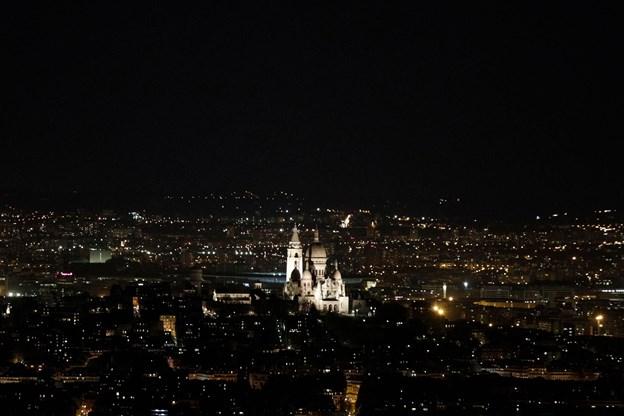 Frankrigs kirkeklokker ringede for Notre Dame