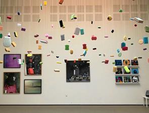 Kunstbygningen i Vrå forrest med kunstnerhonorar