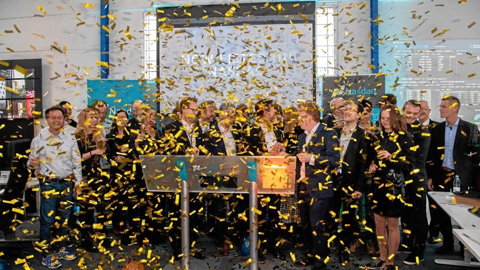 Ledelse, medarbejdere fra Seluxit og repræsentanter fra Nasdaq First North fejrede børsintroduktionen med maner. Privatfoto